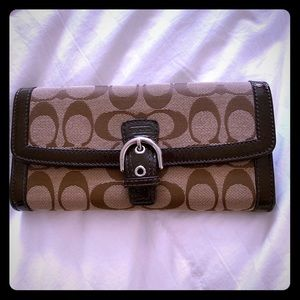 Signature Coach Brown Wallet Buckle front closure
